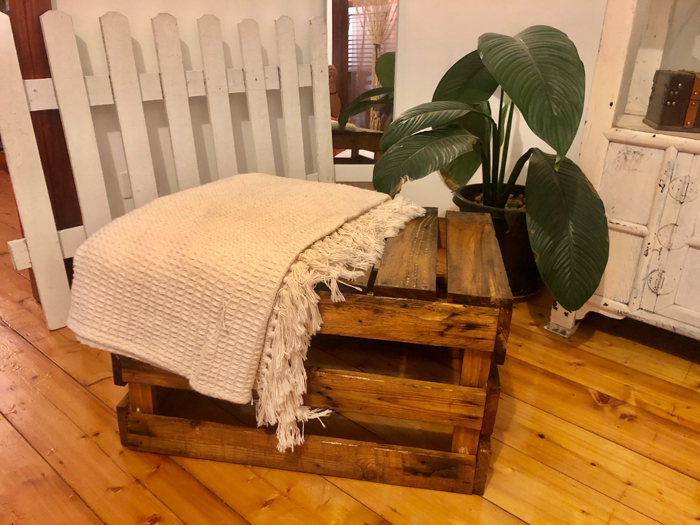 Boho Crate Seat - Prop For Hire
