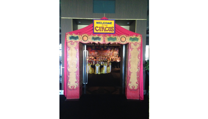 circus_slide_4