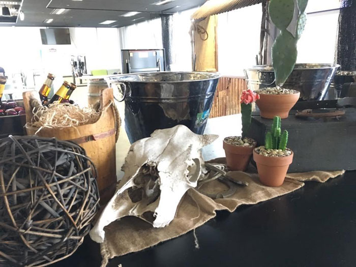Country Table Centre - Prop For Hire
