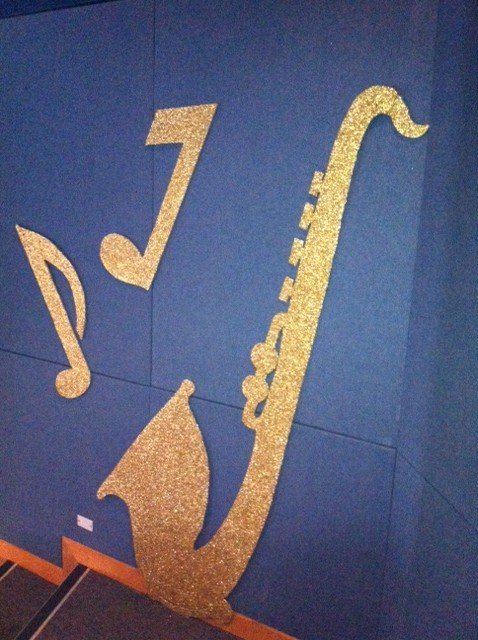 Cutouts Music - Prop For Hire