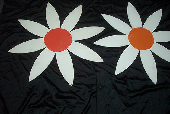 Daisy Cutouts - Prop For Hire