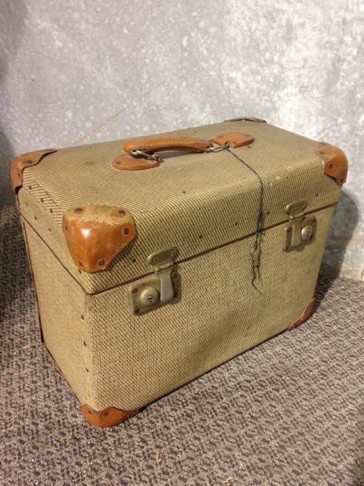 Gentlemans Travelbox - Prop For Hire