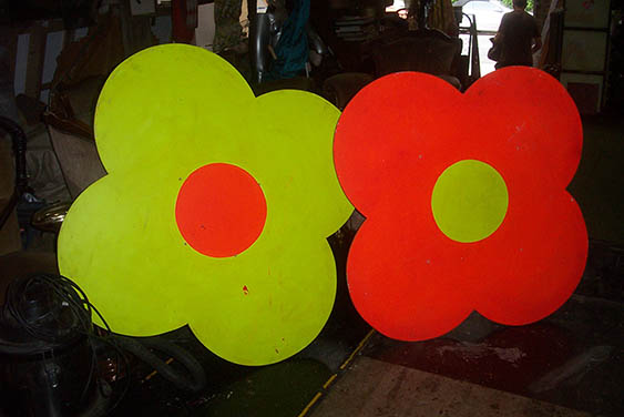 Giant Flower Table Tops - Prop For Hire
