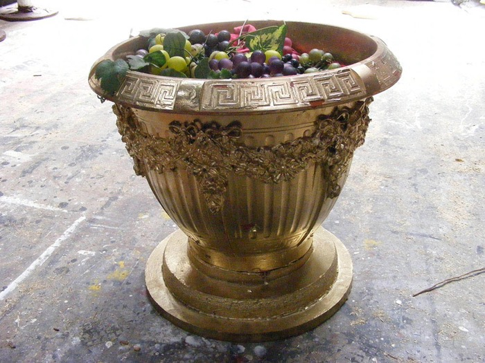 Gold Urn Grapes - Prop For Hire