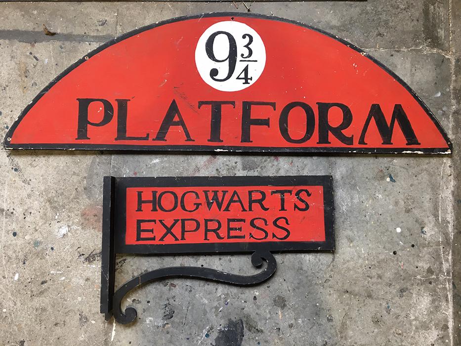 Hogwarts Signage - Prop For Hire