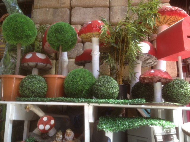 Jungle Toadstools - Prop For Hire