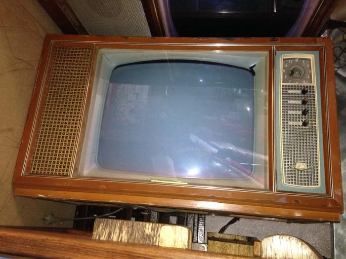 Retro Television 1 - Prop For Hire