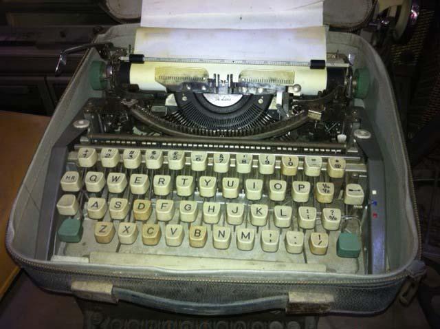 Retro Typewriter 1 - Prop For Hire