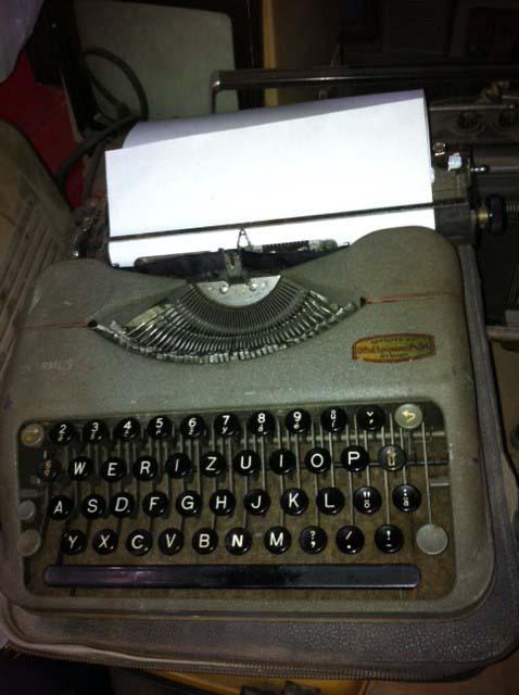 Retro Typewriter 2 - Prop For Hire