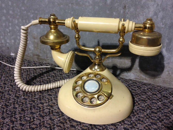 Round Base Classic Phone - Prop For Hire
