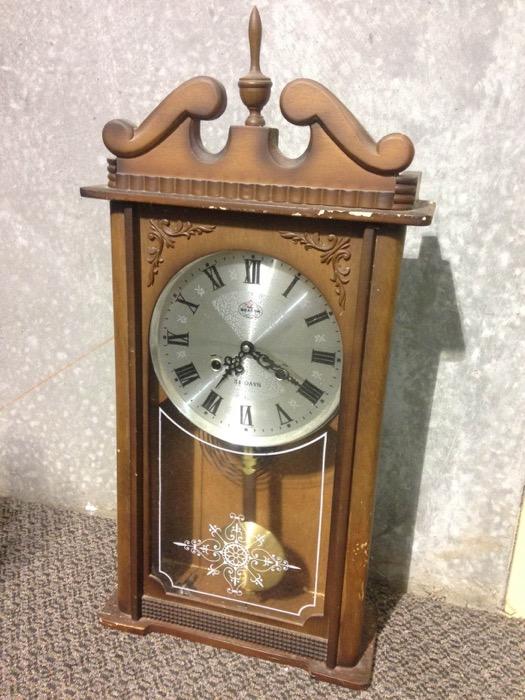 Vintage Clock - Prop For Hire